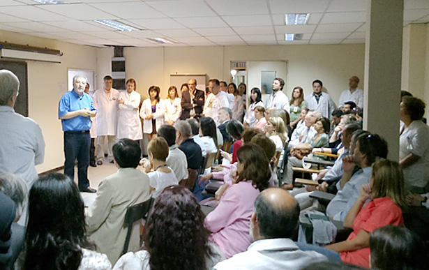 Presentación de la nueva sala y equipamiento ante socios y personal.